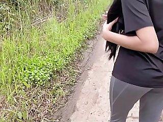 Desi teen outdoor sexual intercourse near the jogging path.